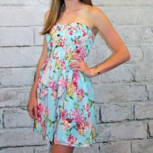 Adelyn Rae Floral Print Strapless Dress